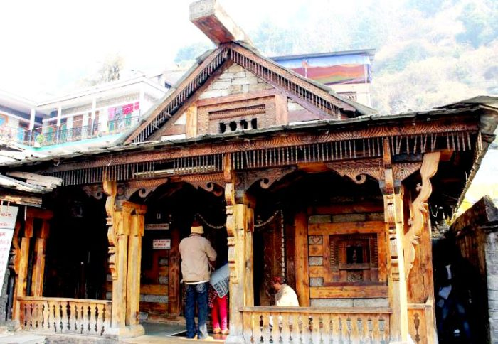 Vashisht-Temple-and-hot-water-springs-in-manali-e1483768860686